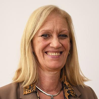 Sra. Silvia Pierri